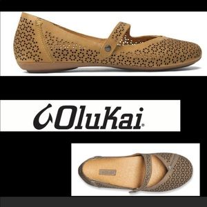 Olukai Nene perforated maryjane shoes- size 9